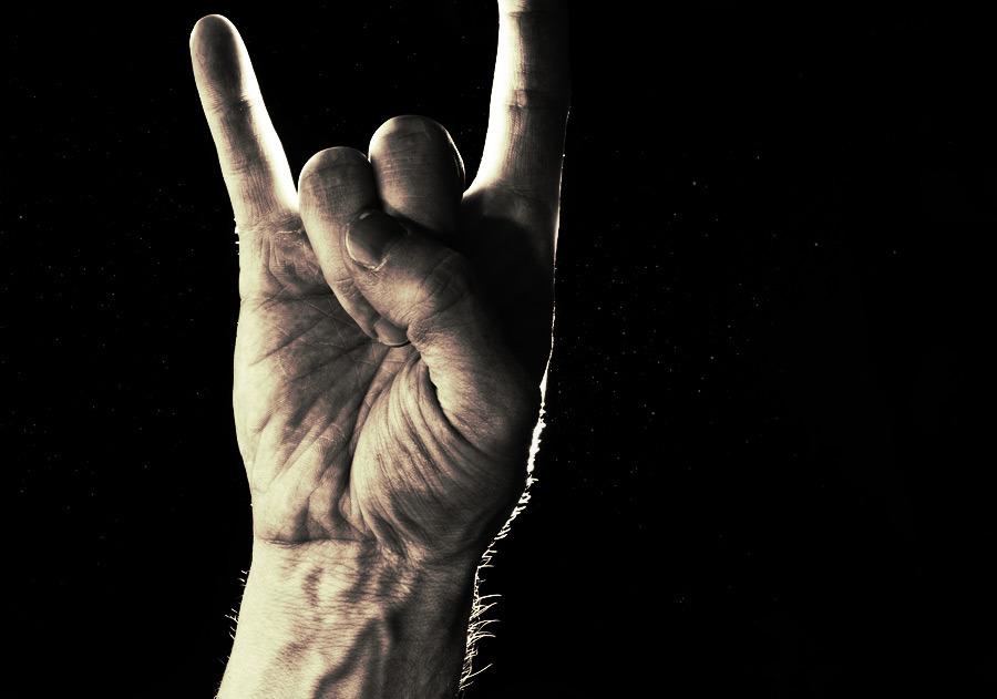 rock_on_hand