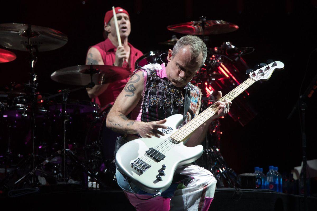 Red Hot Chili Peppers - концерт в Scottrade Center
