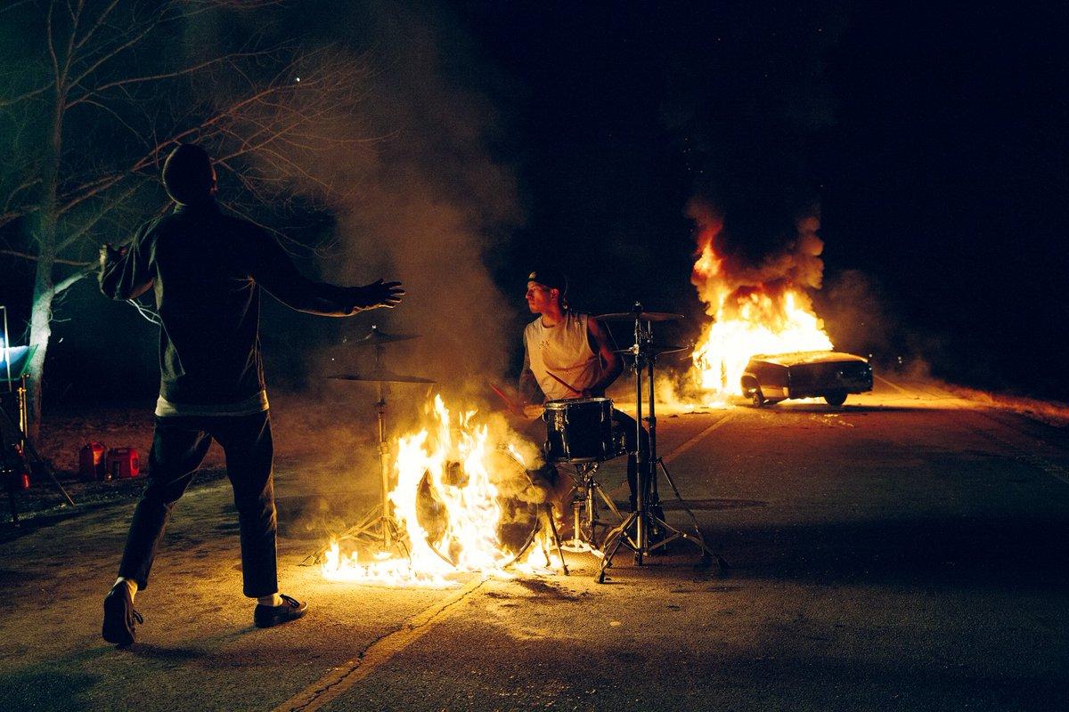 Twenty One Pilots: Heavydirtysoul – перевод и смысл песни