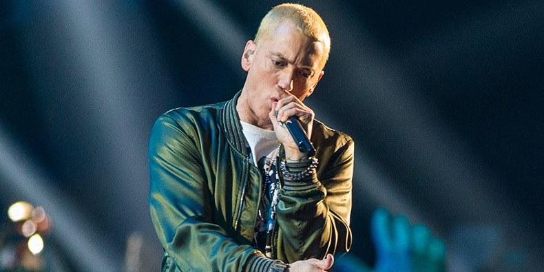 Eminem отвечает на критику своего альбома