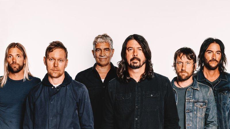 Foo Fighters возвращаются с крутым полу-альбомом