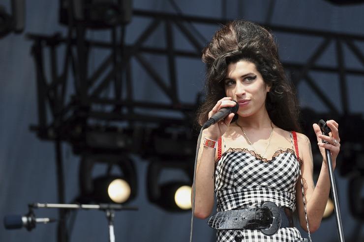 Голограмма Amy Winehouse собирается в тур в 2019 году
