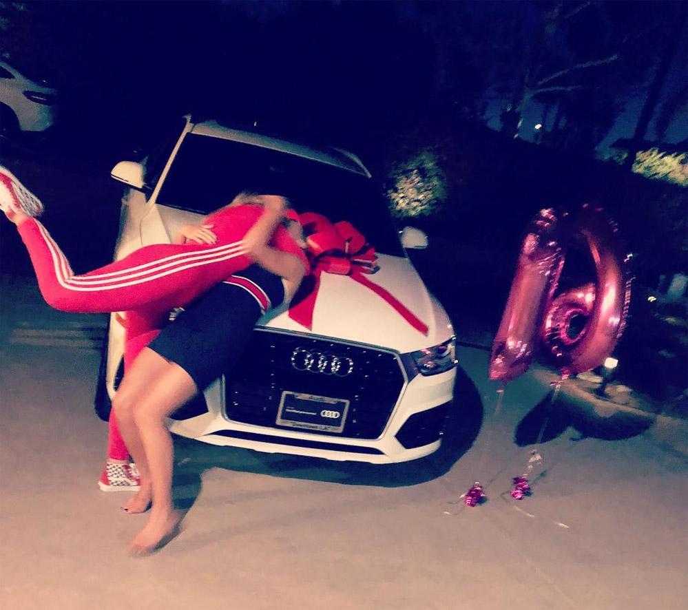 Сия подарила Мэдди Зиглер на 16-летие автомобиль
